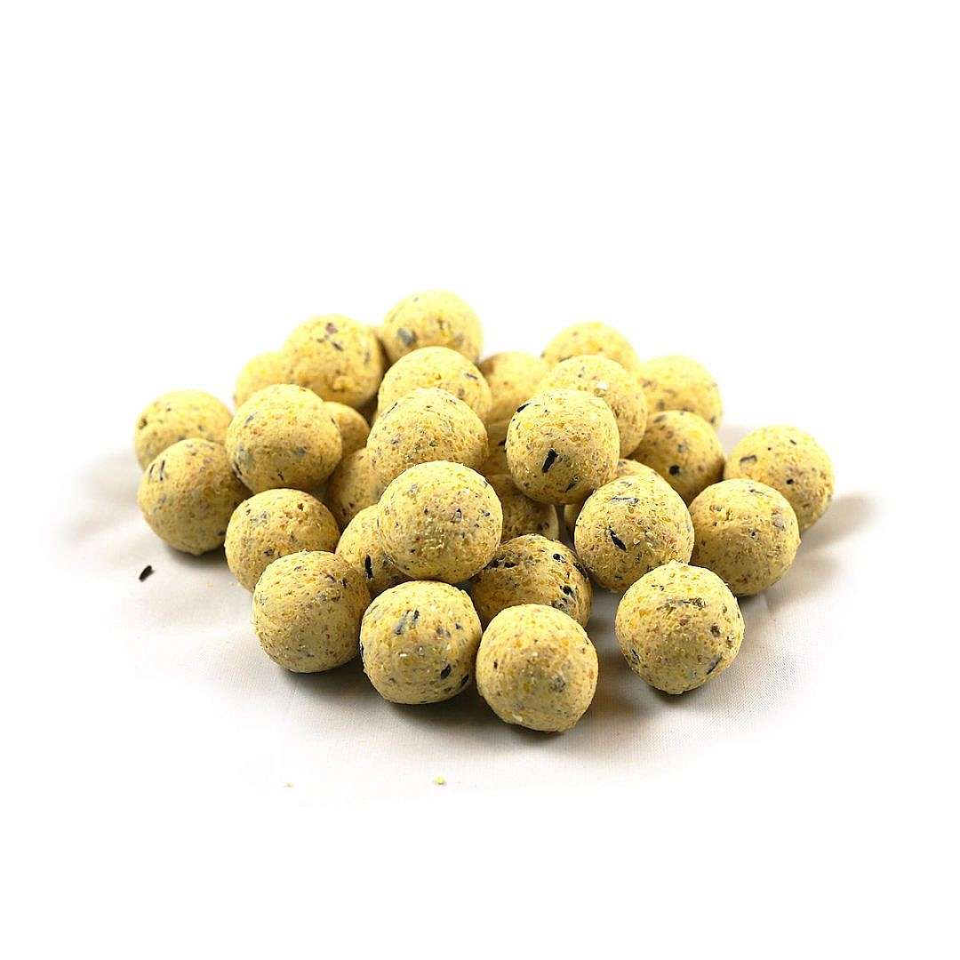 First Choice Milky Banana boilies 18mm