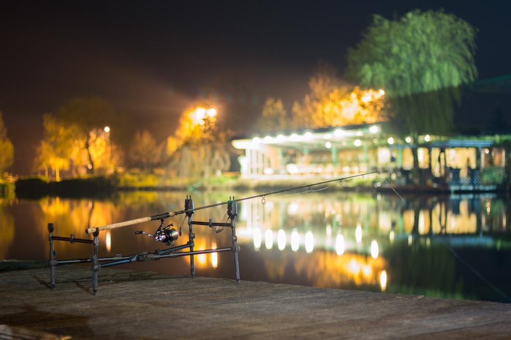 Uiteindelijk visten we de nacht door en vingen vooral Wesley en Matthijs nog enkele schitterende vissen aan slechts 1 hengel