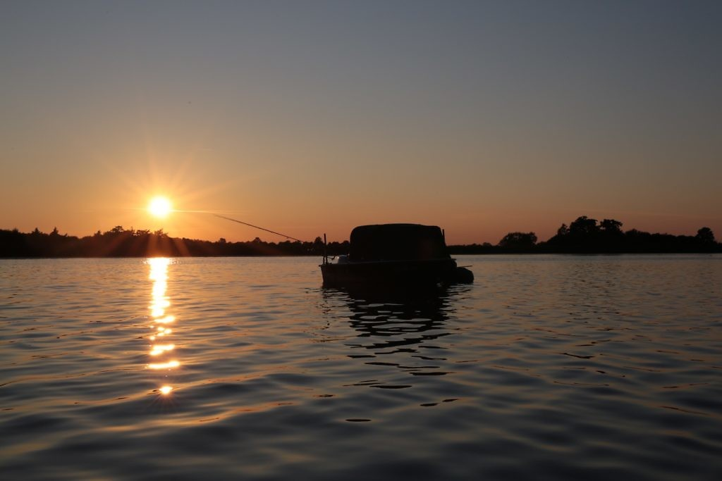 ..en met Verkoelen deed ik een nacht op zijn karperboot.